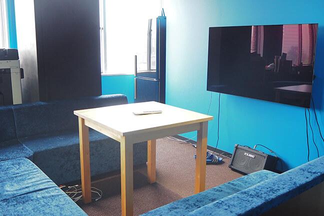 ジョイントメディアの経営企画室の家具