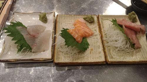 新鮮な魚を使ったお刺身の画像
