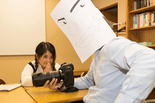 カメラを持っているNAOYUKIに貸してと懇願するいっちゃん