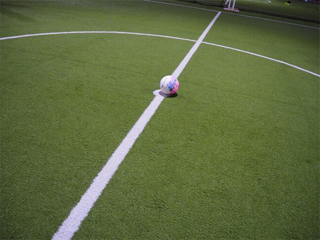 キックオフ前のサッカーボール