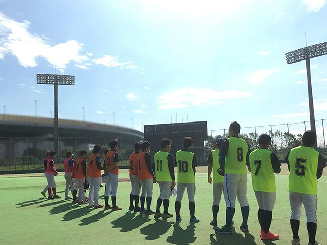 堺シュライクスのトライアウトに参加する選手たち
