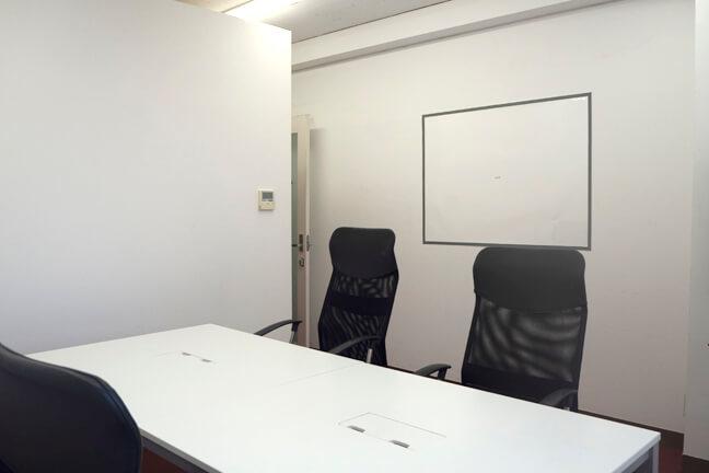 応接・会議室内2
