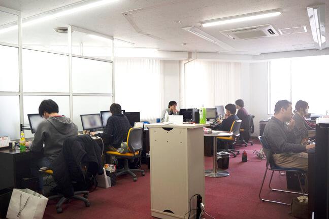 スタッフのオフィスルーム