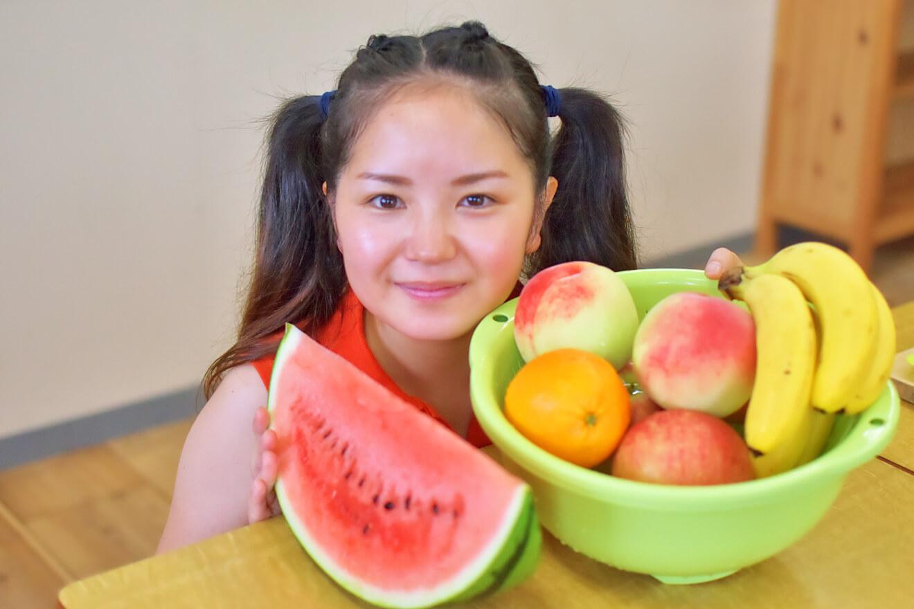果物と野菜を紹介する広報いっちゃん
